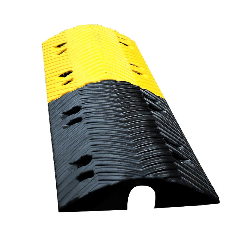 Rubber Speed Bump Road Safety Equipment Supplier Roadsky